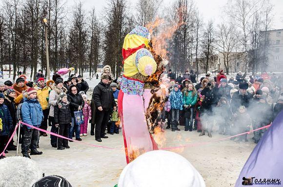 Празднование масленицы в Суворове
