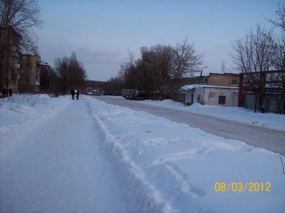"Справа - проходная, слева - квартал ""М"""
