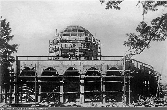 Строительство павильона Узбекской ССР